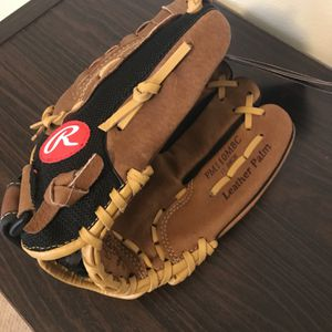 New Rawlings Kids Softball glove for Sale in Mount Vernon, WA