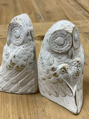 HOME DECORE REIMAGINED BRASS OWL BOOKENDS W TWIN BABY OWLS for Sale in Phoenix, AZ