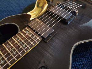 Schecter Damien Solo Elite guitar for Sale in Everett, WA