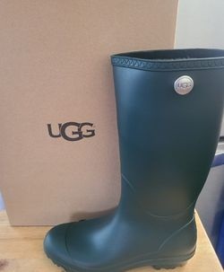 UGG Shelby Matte Rain Boots NEW for Sale in Compton,  CA