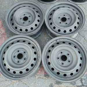 Toyota car stock 16 inch rims. 5 on 4.5 lugs for Sale in Montebello, CA