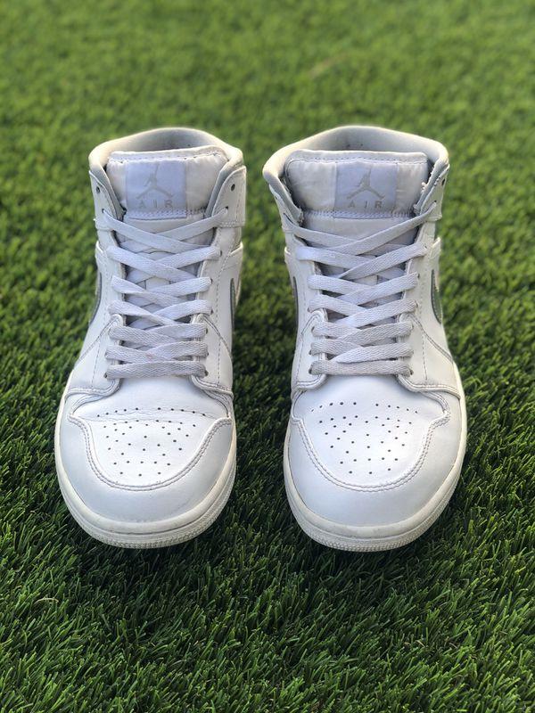 Jordan 1 Mid (White/Pure Platinum)