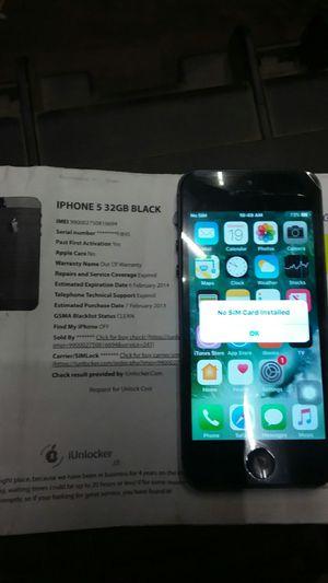 IPhone 5 w/case for Sale in Visalia, CA