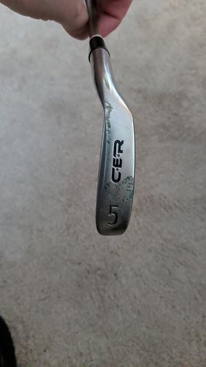 Golf Right Handed 5 Iron for Sale in Plainville, MA