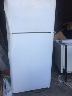 Appliances - fridge $150/Whirlpool Dishwasher $75/Whirlpool Stove $100. All working! for Sale in Bowie, MD