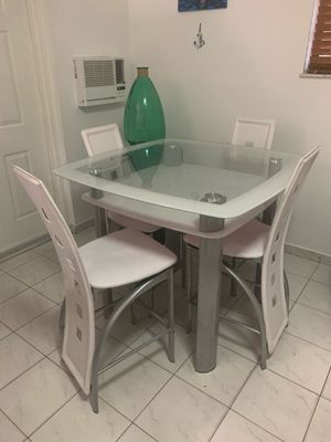 Bar height dining set for Sale in Hialeah, FL