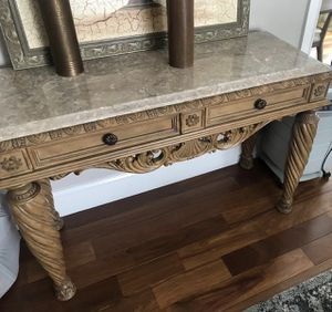 Coffee table, side tables, & console set for Sale in Marlborough, MA