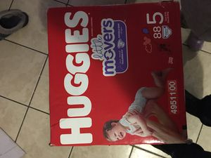 Huggies little movers size 5 for Sale in Chicago, IL