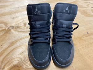 AIR JORDAN 1 MID BLACK size 9 for Sale in Tampa, FL