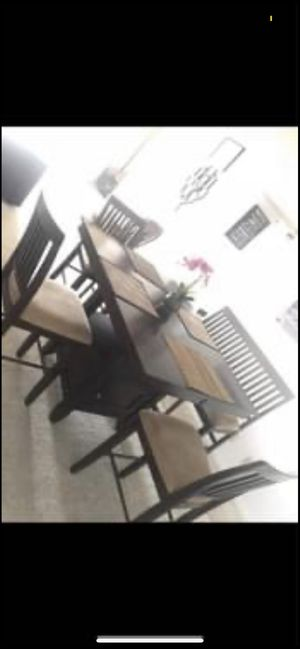 Dining table and chairs for Sale in Miami Beach, FL
