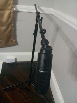 Mic and stand for Sale in Cincinnati, OH