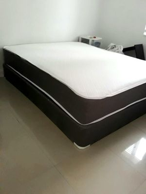 New QUEEN size mattress & BOX spring. Bed frame not included on offer for Sale in West Palm Beach, FL