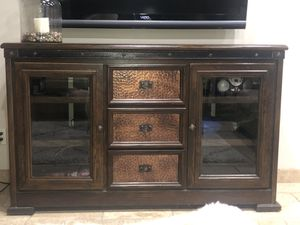 Tv stand rustic great condition for Sale in Queen Creek, AZ