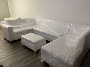 White leather sectional couch available for sale brand new!! for Sale in Hialeah, FL