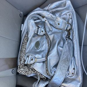 Purse Dolce And Gabbana $50 Genuine for Sale in Jefferson City, MO