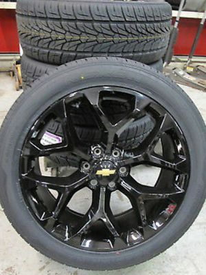 "24"" snowflakes gloss blk with tires for Sale in Dixon, CA"