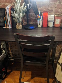 Desk And Chair Set for Sale in Brooklyn,  NY