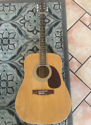 Guitar Burswood for Sale in Bell Gardens, CA