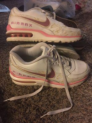 Nike air max 8.5 for Sale in Sacramento, CA