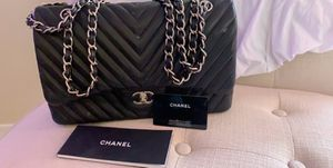 Chanel Handbag( authenticity card and serial number) for Sale in Palos Hills, IL