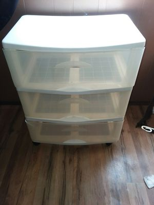 3 drawer** plastic **$10 firm for Sale in Hemet, CA