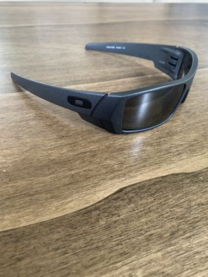 Oakley polarized sunglasses for Sale in Westlake, OH