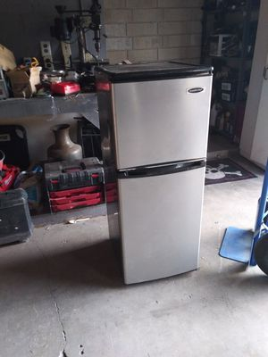 Refrigerator for Sale in Phelan, CA