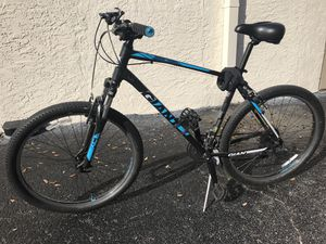 GIANT BIKE. Bicycle. BRAND NEW. trek for Sale in Tampa, FL