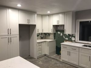 Kitchen Solid Wood Cabinet Quartz Prefab Counter tops Warehouse for Sale in Hawthorne, CA