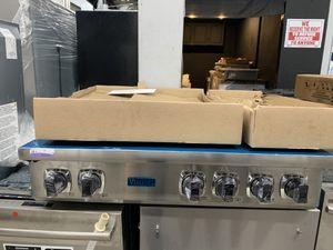 """Viking 36"""" range top in stainless steel new open box for Sale in Escondido, CA"""