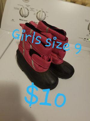 Snow Boots (Girls Size 9) for Sale in Phoenix, AZ