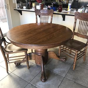 Wooden Round Dining Table Set for Sale in Fresno, CA
