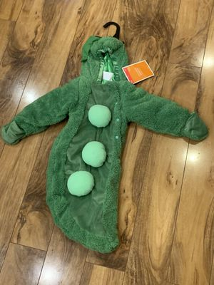 NWT - infant - Pea pod Snuggie - great for cooler weather and Halloween for Sale in Casselberry, FL