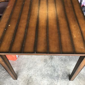4 Seat Hardwood Dining Table for Sale in Morgantown, WV