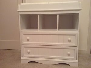 Changing Table Dresser (pad and covers included) for Sale in San Mateo, CA