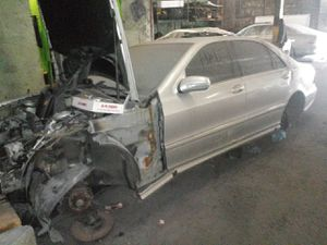 2000 Mercedes Benz S500 PARTS ONLY for Sale in Harrisburg, PA