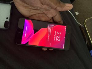 iPhone 7 Unlocked (T-Mobile) for Sale in Capitol Heights, MD