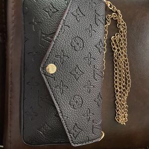 Small Wallet Purse for Sale in Sugar Land, TX