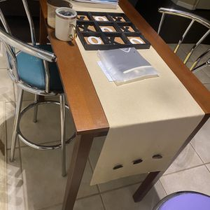 Table With 3 Stools for Sale in Orlando, FL