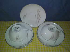9 pc dish set for Sale in Parsons, KS
