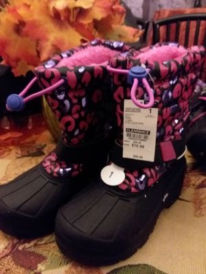 New girls winter/snow boots for Sale in Philadelphia, PA