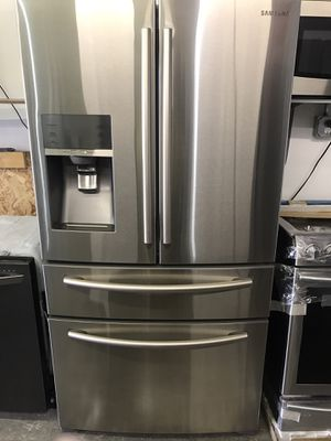 Samsung Refrigerator, Stove , Microwave Stainless Steel Set !!!!! for Sale in Los Angeles, CA