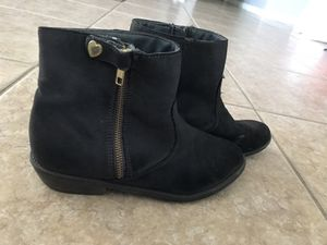 Girls size 4 children's place ankle boots for Sale in Melbourne, FL