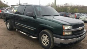 2004 Chevy Silverado 1500 200k Hwy miles runs and drives!!! for Sale in Fort Washington, MD