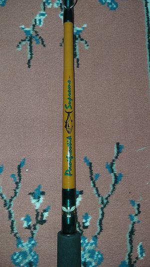 Sabre Pacific Supreme vintage fishing rod 7 feet 20 to 40 lb line excellent condition for Sale in Los Angeles, CA