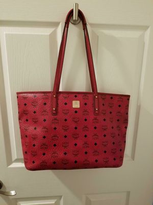 AUTHENTIC RED WOMENS MONOGRAM MCM TOTE PURSE in GREAT CONDITION, LEATHER IN TACT, CLEAN!$$ for Sale in Las Vegas, NV