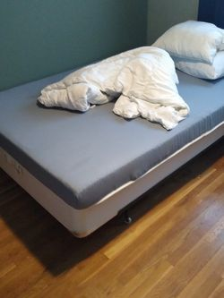 Full Size Bed for Sale in Bellevue,  WA