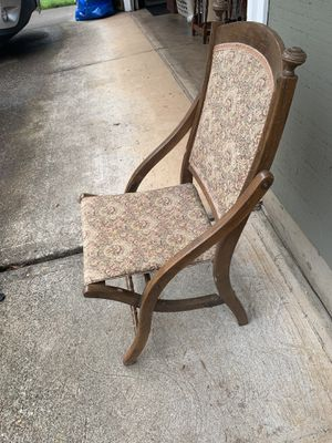 Antique chair for Sale in Oregon City, OR