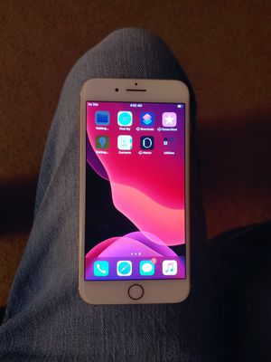 IPhone 7 PLUS 128 GB rose gold carrier unlocked for Sale in Longview, TX