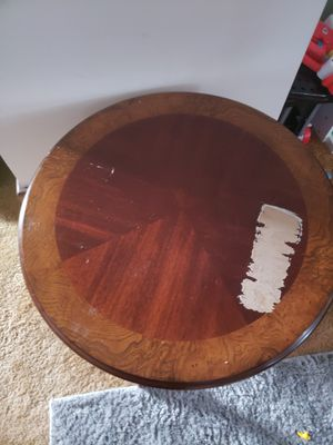 Round end table for Sale in Erie, PA